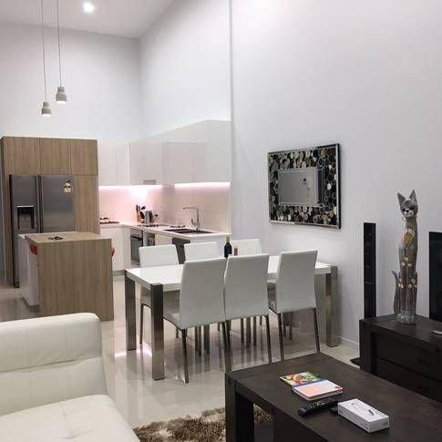 Penthouse (Modern Luxury Apartment & Broadwater views), vacation rental in Runaway Bay