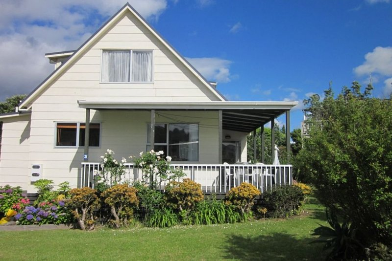 Peaceful 2 Storey House close to beach, holiday rental in Waihi