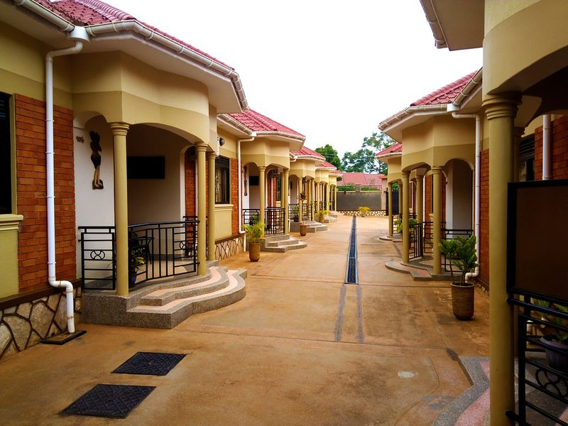 J&J Hotel Apartments, holiday rental in Entebbe