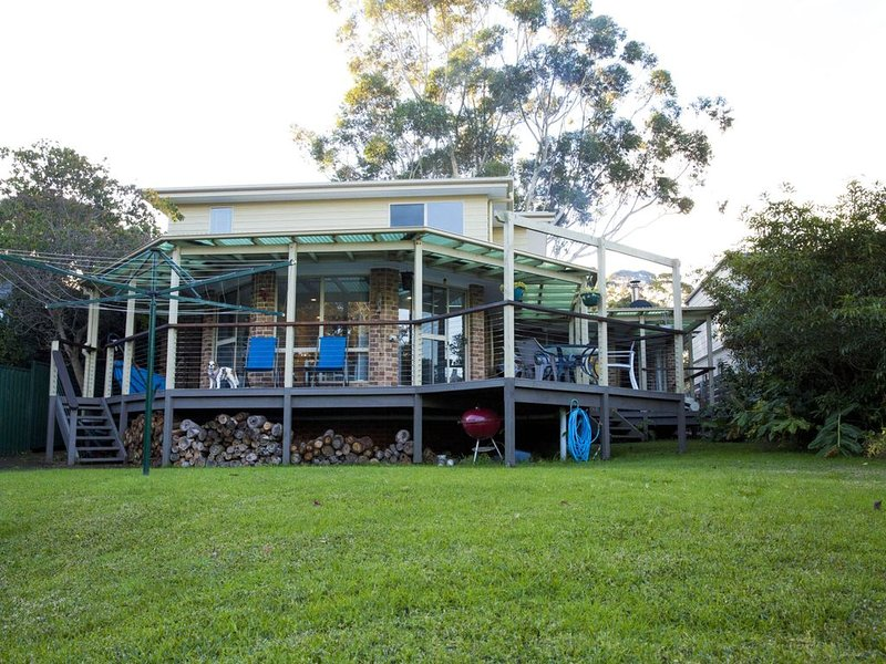 Cookies Beach House, South Durras, holiday rental in East Lynne