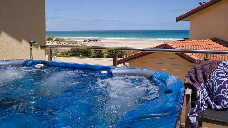 Luxury Spa Beach Front Moana, location de vacances à Christies Beach