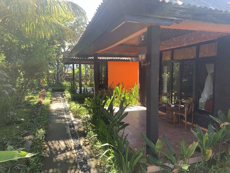 Batur Sunrise Guesthouse ~ Mountain View Bungalow, vacation rental in Toya Bungkah