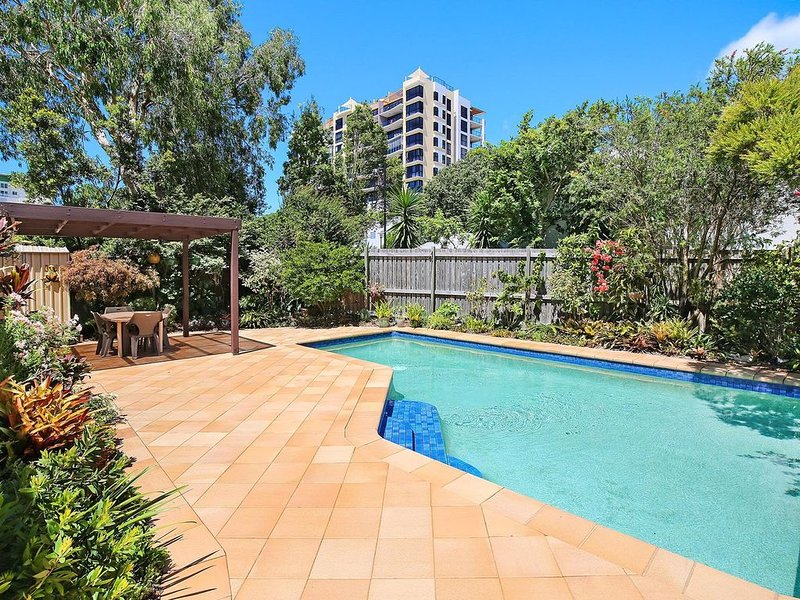 Eastbourne  U6, 80 Esplanade. Golden Beach, vacation rental in Caloundra