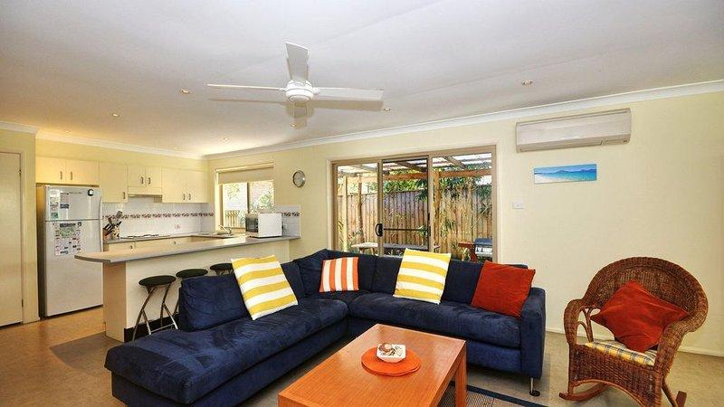 Pet Friendly Beach Home, aluguéis de temporada em Hawks Nest