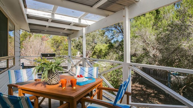 Koala Cottage - tranquil, sun-drenched Somers, holiday rental in Bittern