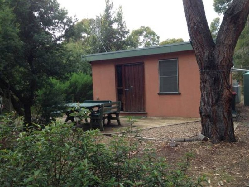 Motts Beach Cottage - Quiet 2 brm cottage, holiday rental in Orbost