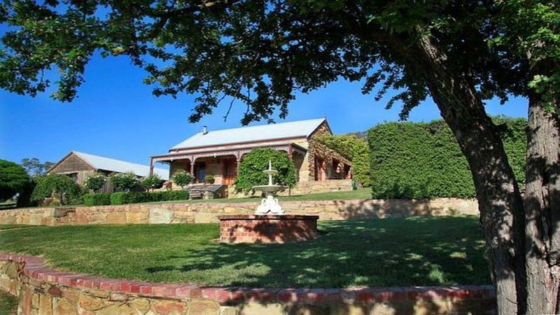 Hawthorn Cottage -Experience the beauty and charm, vacation rental in Harcourt