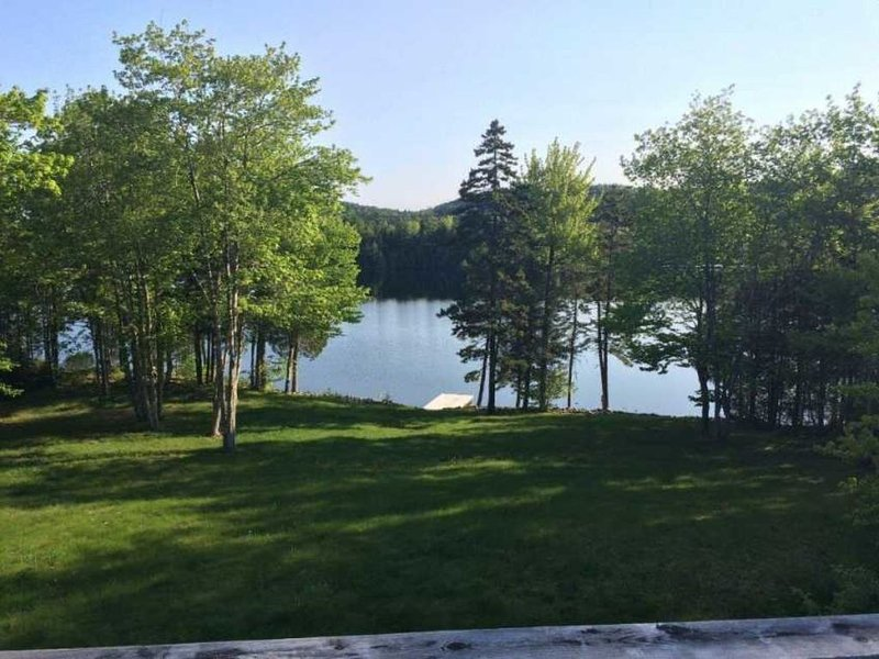 Chamcook Lake Cottage - Lakeside Home with Dock, holiday rental in Alexander