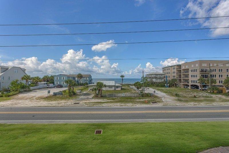 Gulf View, Mexico Beach Condo, Community Pool, Hot Tub, and Sauna ~ Summerhouse, Ferienwohnung in Mexico Beach