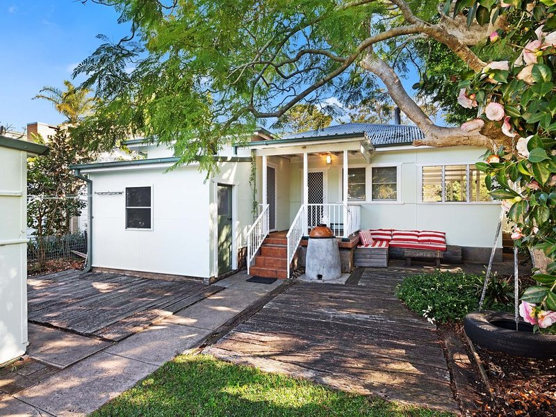 Green Cottage: Waterfront family holiday paradise, private jetty and road access, casa vacanza a Berowra Waters