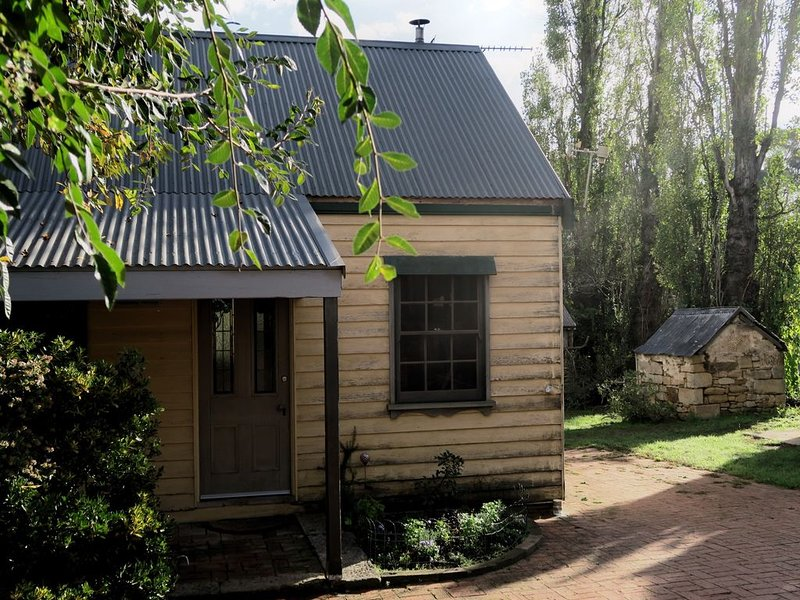 Crabapple Cottage -Lovely self contained cottage on Heritage property, alquiler vacacional en Berrima