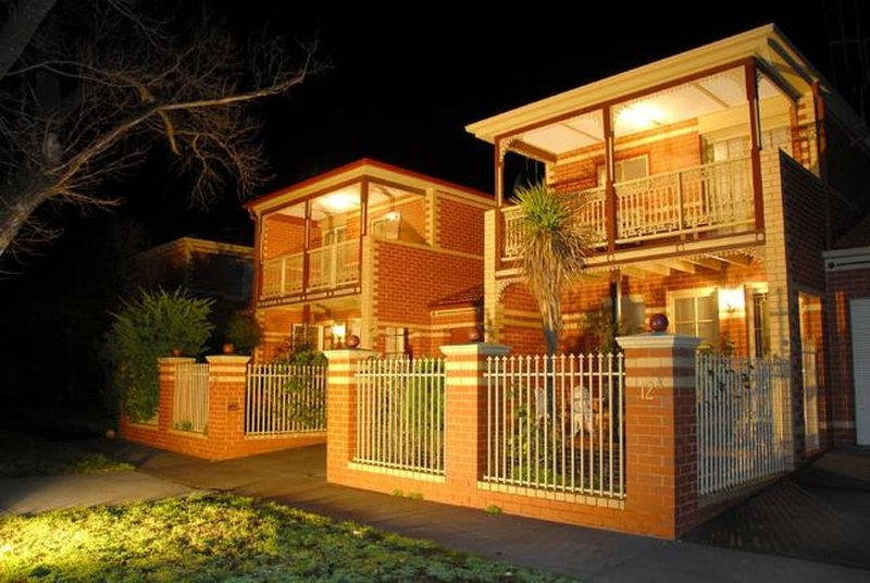 DeBeers Townhouses Bendigo, vacation rental in Kangaroo Flat