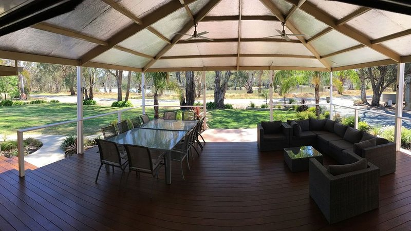 Water views and Murray River access direct from the lagoon, holiday rental in Gunbower