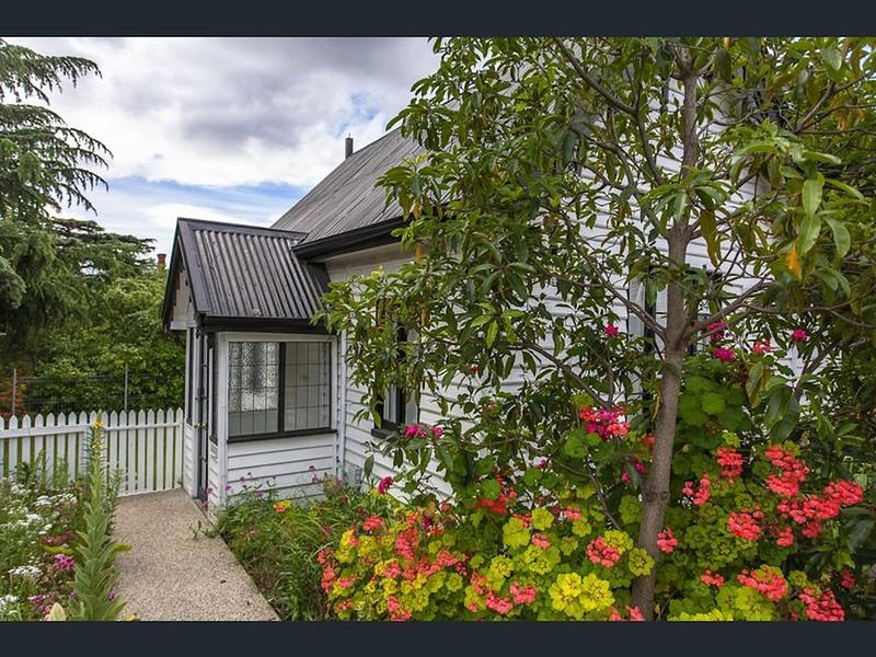 Gatehouse on Stoke is a fully modernised cosy and inviting Heritage cottage., casa vacanza a Greater Hobart