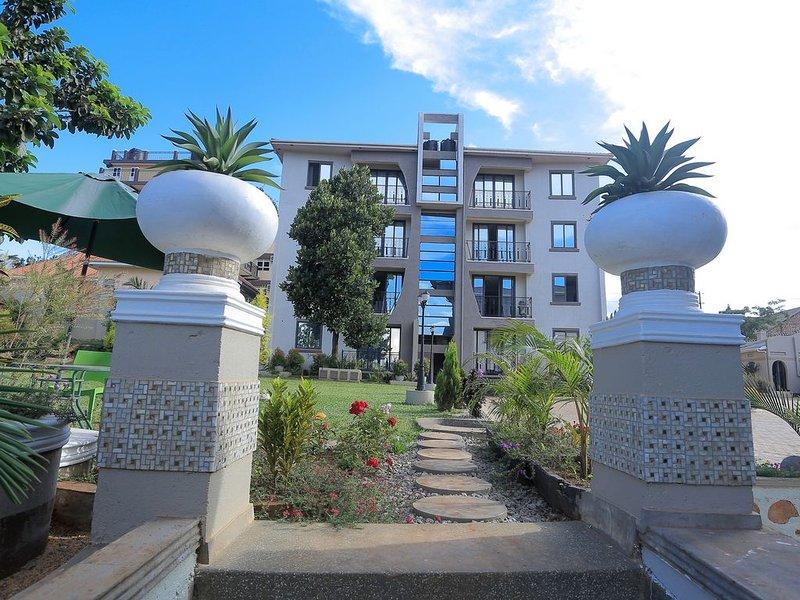 Welcome to Makula Premium apartments! 1 of 6 alluring rentals we offer., location de vacances à Kasangati