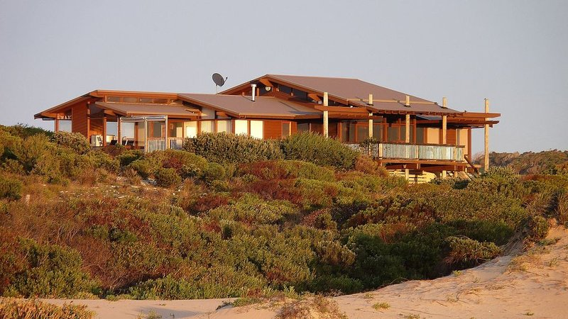 Lincoln Beach Retreat, holiday rental in Port Lincoln