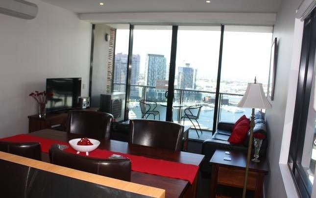 Ballantrae Docklands Apartment 2BD 2BA free WiFi and under cover parking, alquiler vacacional en Seddon