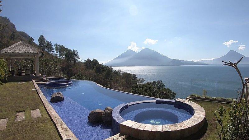 Beautiful Atitlan Luxury Home AT020, aluguéis de temporada em Chichicastenango