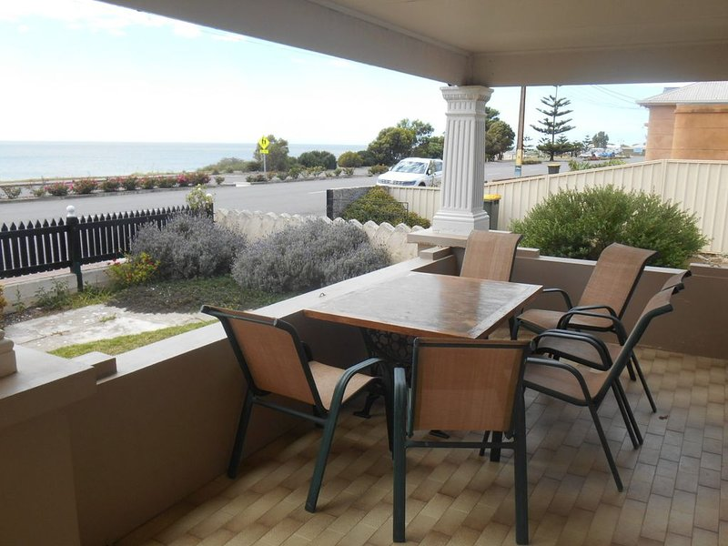 Bungalow at the Beach, holiday rental in Minlaton