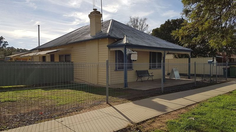 Echuca Holiday Houses - Temoca Cottage, holiday rental in Echuca