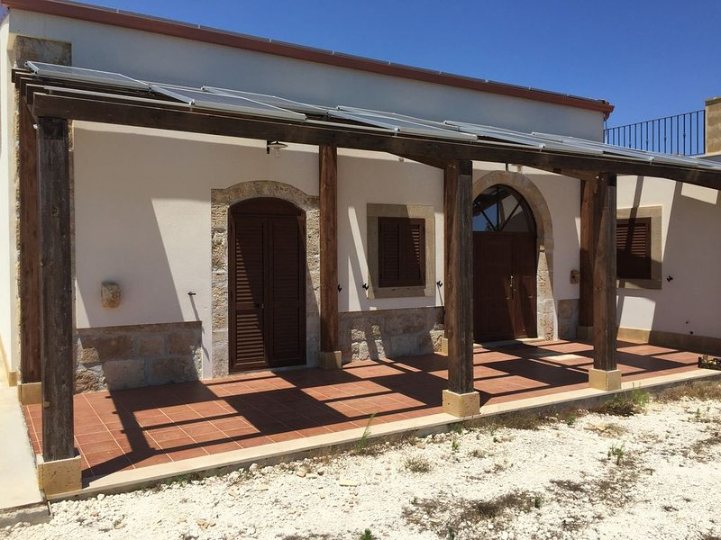 Restored old farm house--Sicilian emotional vacation, holiday rental in Fondo Morte