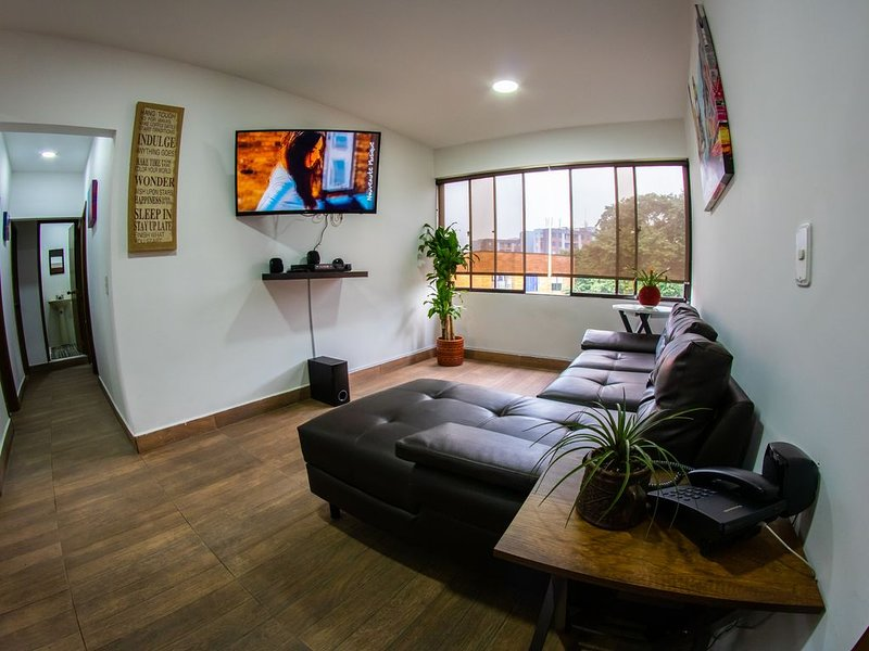 Carlito′s Way Food & lodging, vacation rental in Envigado