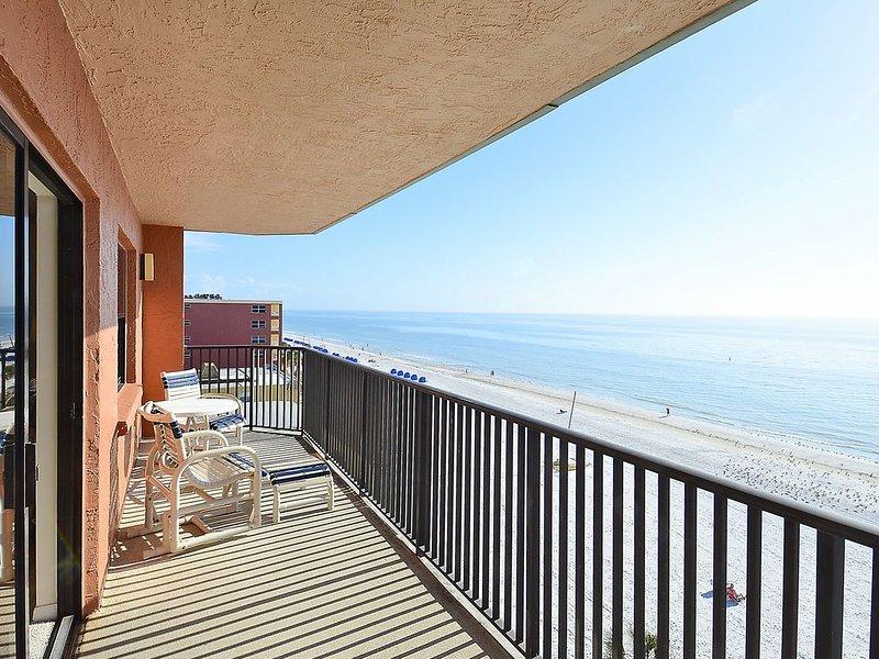 Emerald Isle #602 - Beautiful, spacious 3 bedroom condo/AWESOME GULF views!, vacation rental in North Redington Beach