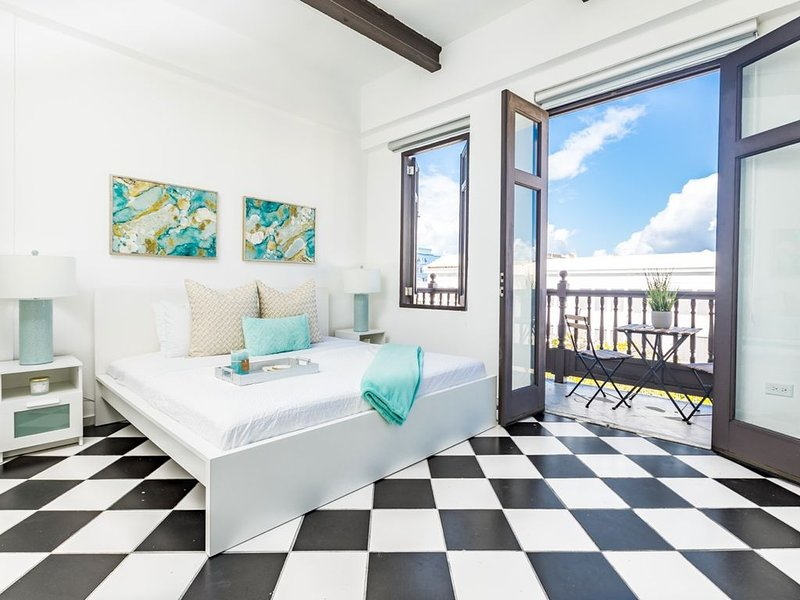 Mint Suite | Beautiful 1 Bedroom in best location in Old San Juan, holiday rental in Toa Baja