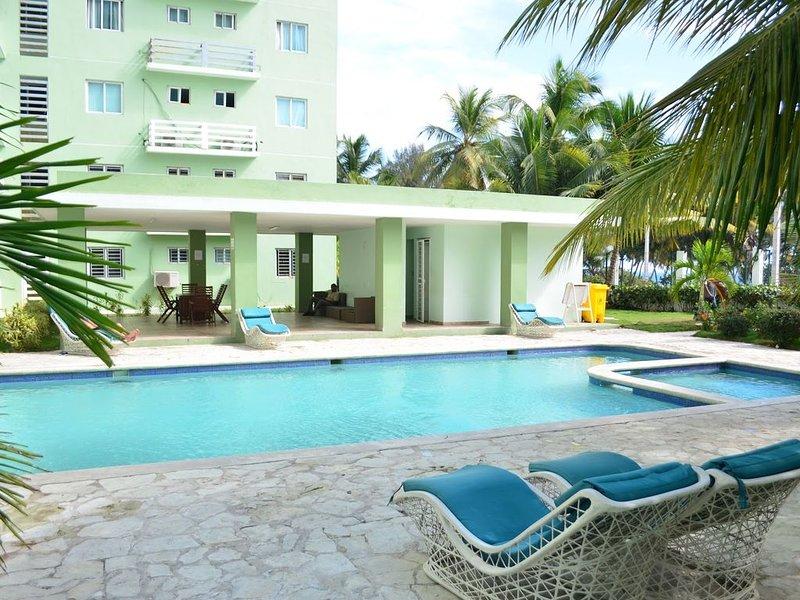 Quiet Apartment With Ocean View w/ Pool, holiday rental in Santo Domingo Este