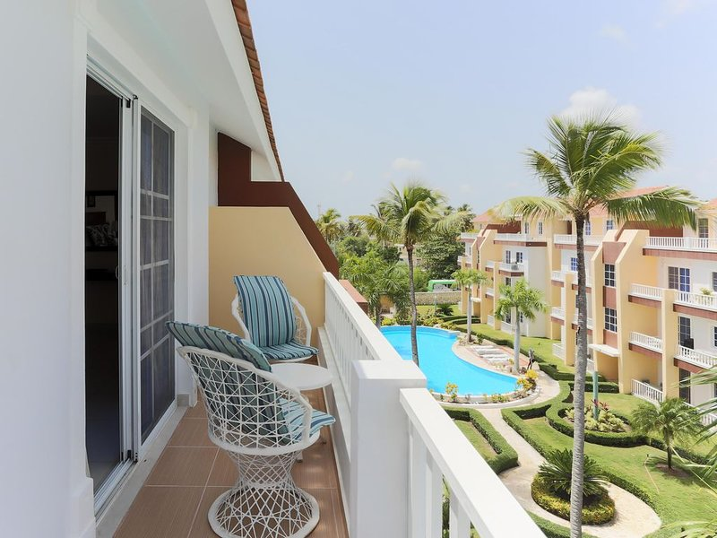 Estrella Del Mar B3, PH +BBQ 2 Pools, Walk to Beach!, holiday rental in Punta Cana