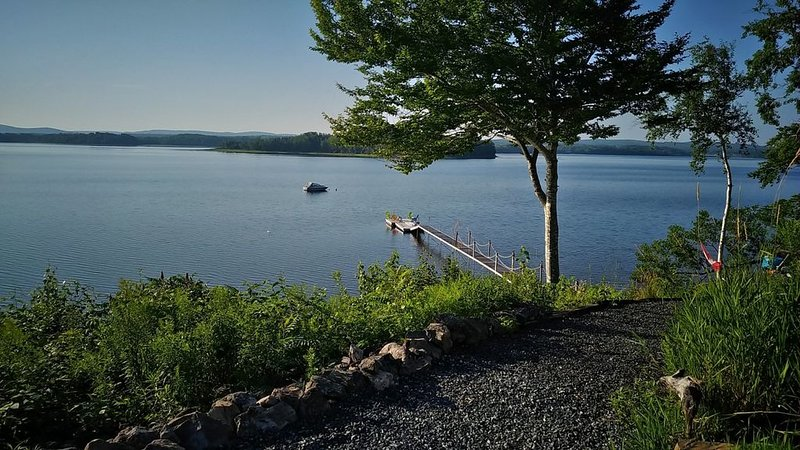 Harbour Heaven -   Waterfront Home with Spectacular Views, holiday rental in Halifax Regional Municipality