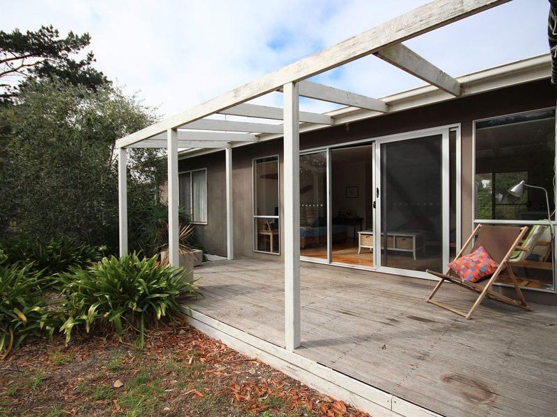 Family and Dog Friendly Beach House, holiday rental in Venus Bay