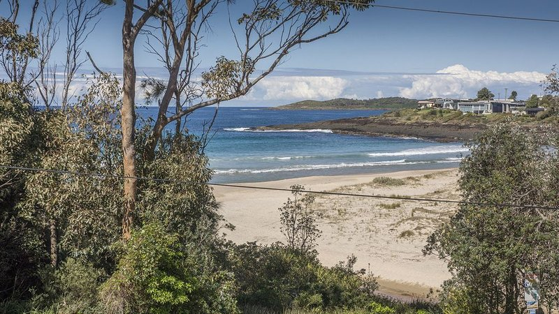 Tingira Drive 58 Bawley Point NSW, holiday rental in East Lynne