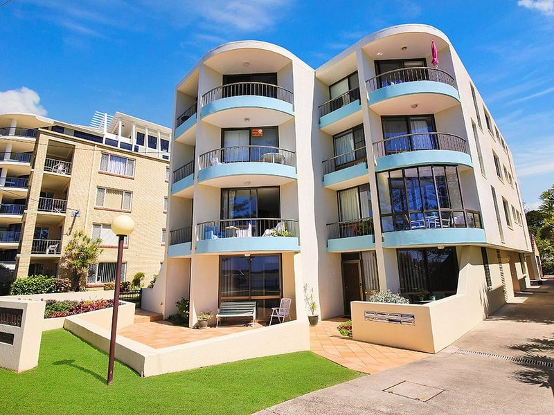Eastbourne U4, 80 Esplanade, Golden Beach, vacation rental in Caloundra