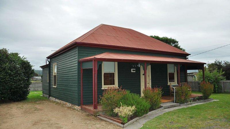 Settlers Cottage - St Helens Tasmania, location de vacances à Beaumaris
