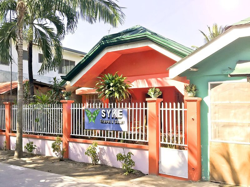 SYKE's Guesthouse | Bantayan Island | Santa Fe, vacation rental in San Remigio