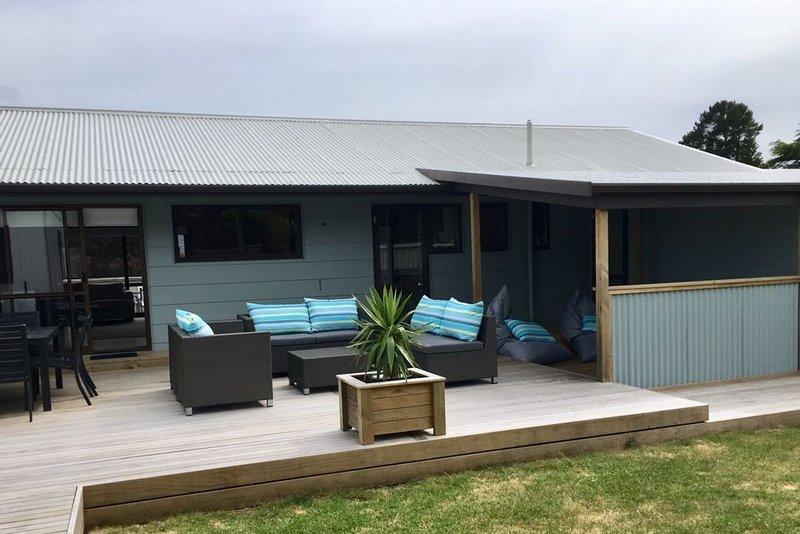 Lovely bach - Vista Paku, location de vacances à Pauanui