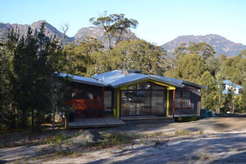 MOPOKES, 41 Bradley Drive, vacation rental in Coles Bay