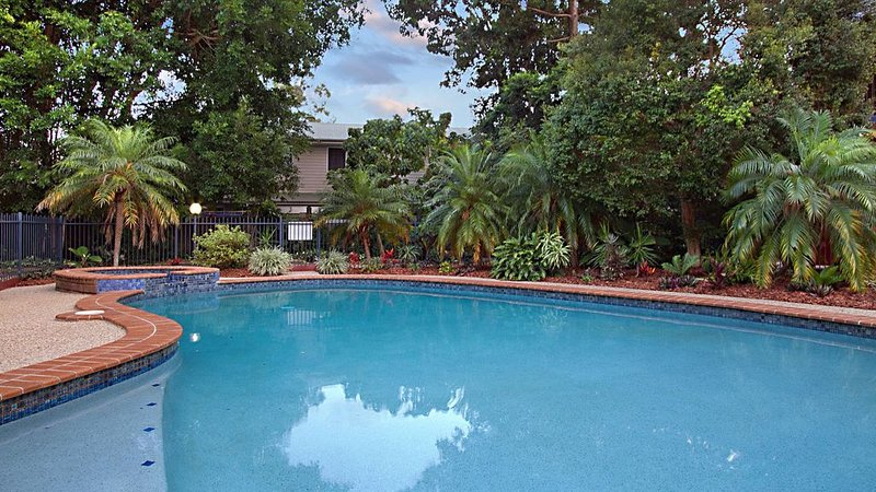 Ground Floor Garden Apartment, holiday rental in Macleay Island