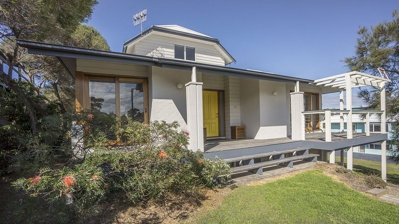 Marloo Avenue 10 Bawley Point NSW, holiday rental in East Lynne