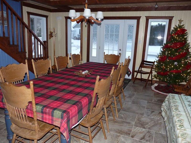 Salle à manger au temps des fêtes / Dining room at Christmas time