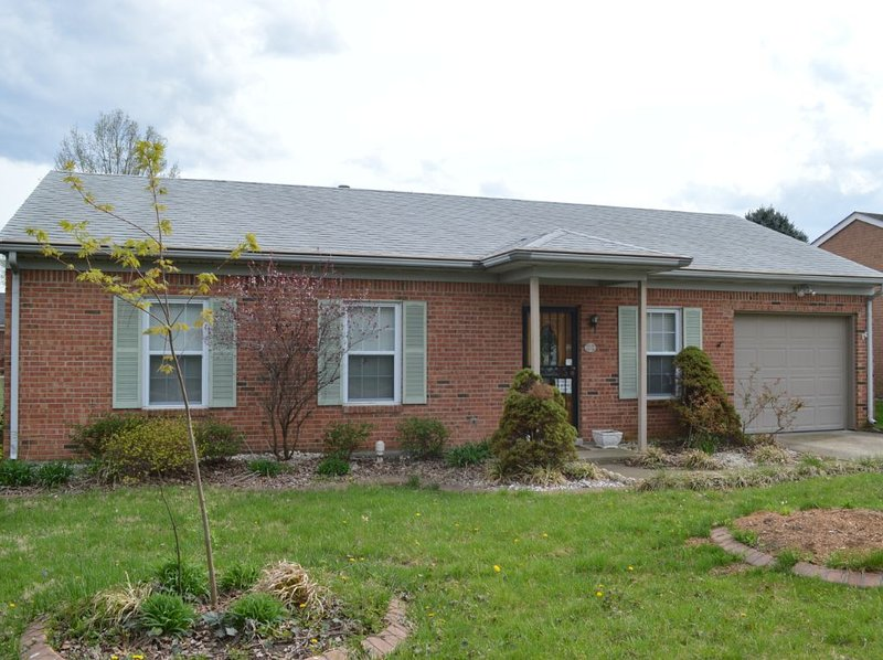 Cozy New Albany 2bd/1.5ba, vacation rental in New Albany