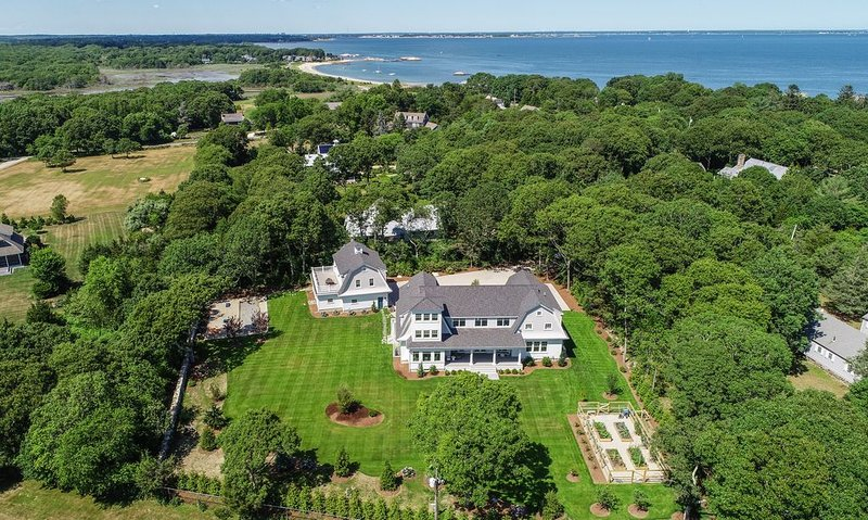 Extraordinary Luxury New Construction Estate In Private Buzzards Bay Community, vacation rental in Fairhaven