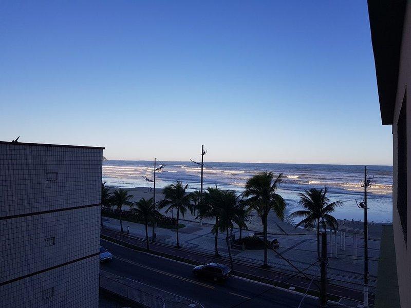 Lindo apto 1 dorm novissimo com vista para o mar, location de vacances à Praia Grande