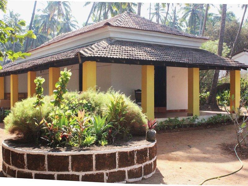 Goan beach house on Anjuna beach, holiday rental in Verla Canca