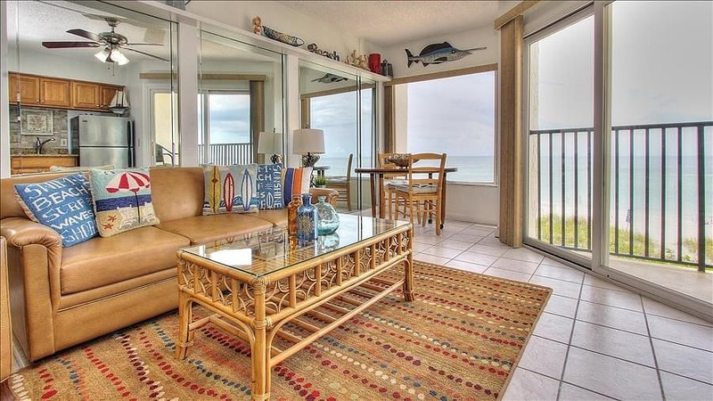 Newly Updated Beachfront Condo with Coastal Charm - Perfect Couple's Getaway!, vacation rental in Belleair Beach
