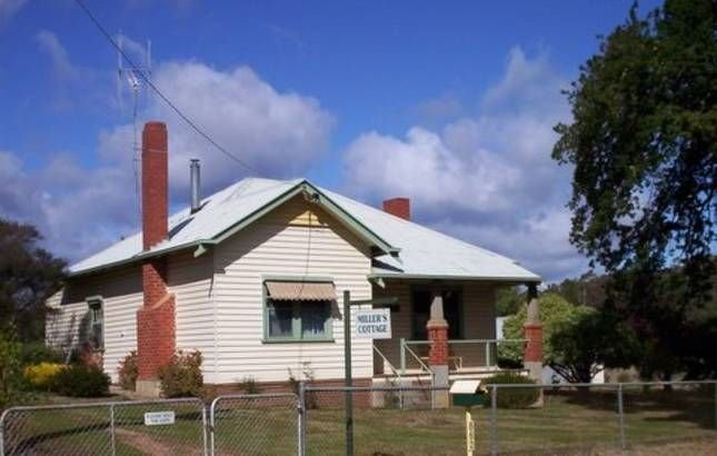 Milllers Cottage - Castlemaine, vacation rental in Harcourt