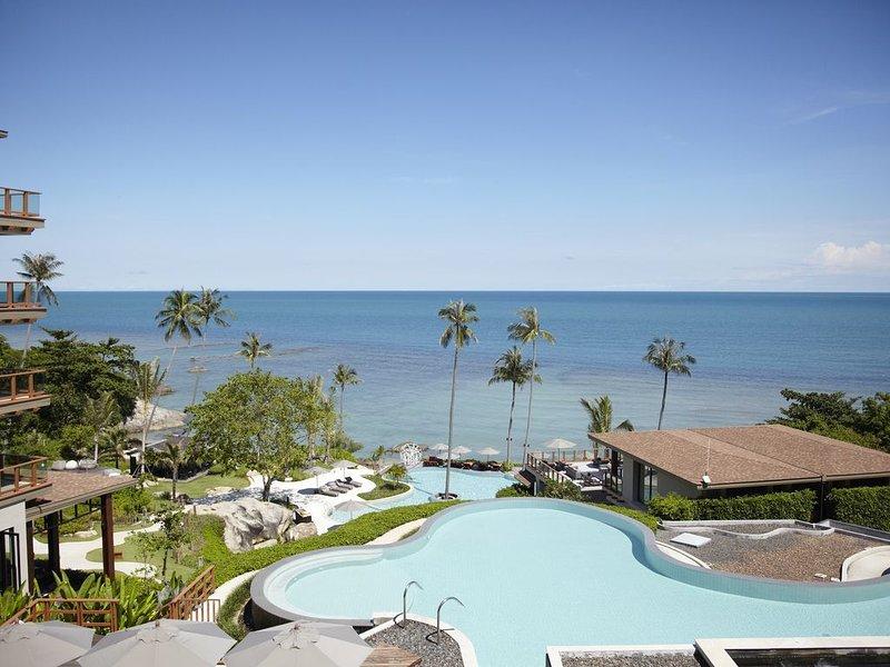 Luxury Seaview Two-Bedroom Apartment in 5* Resort, vacation rental in Laem Set