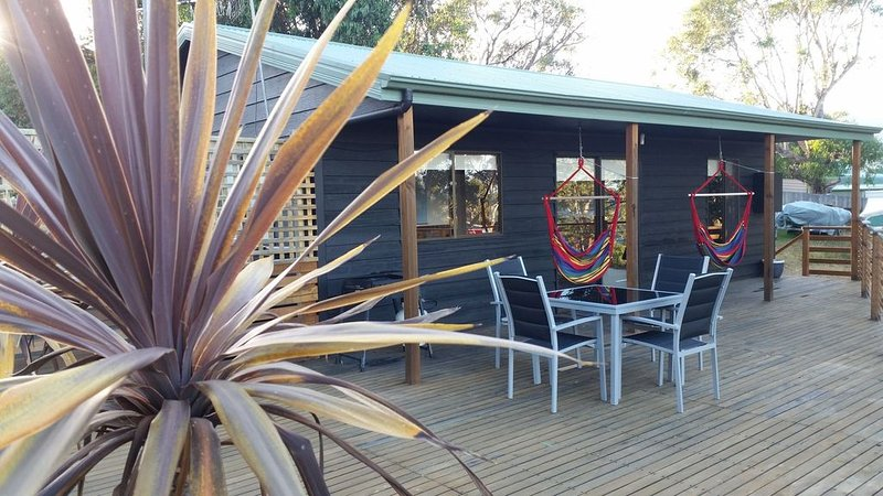 Bed on Bruny Seaside Accommodation, vacation rental in South Bruny