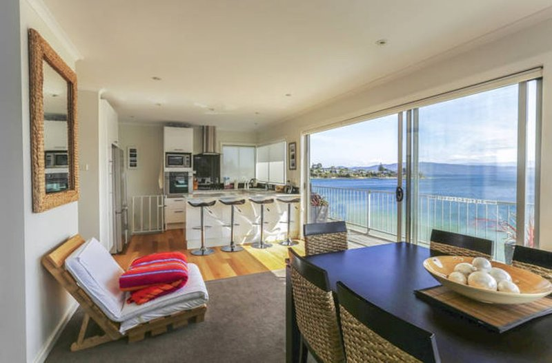 'beachbreak' Opossum Bay - Best on the beach!, vacation rental in White Beach